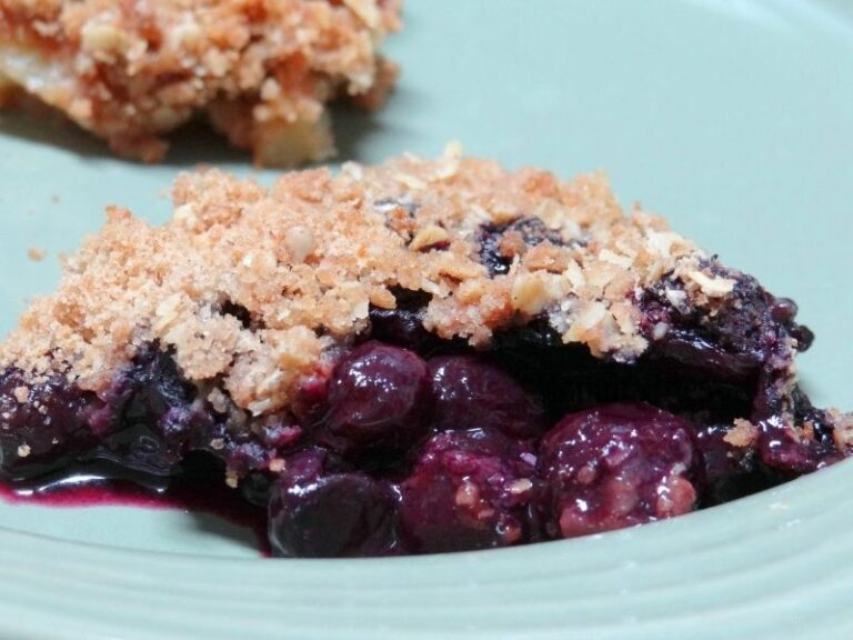An easy recipe to make a comforting Apple Blueberry Crisp.