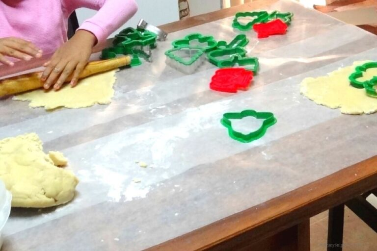 3 Tips to Make Holiday Baking With Kids FUN!