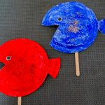 Red Fish Blue Fish {An easy Dr Seuss themed paper plate craft}