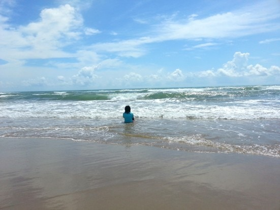 15 Fun and Free Beach Activities for Kids- Mommy Snippets (9)