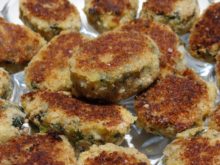 Easy Spinach and Kale Tuna Cakes Recipe