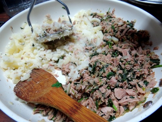 Spinach and Kale Tuna Cakes in my new Twizzt Pan - Mommy Snippets (5)
