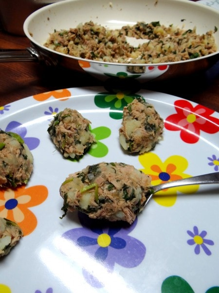 Spinach and Kale Tuna Cakes in my new Twizzt Pan - Mommy Snippets (6)