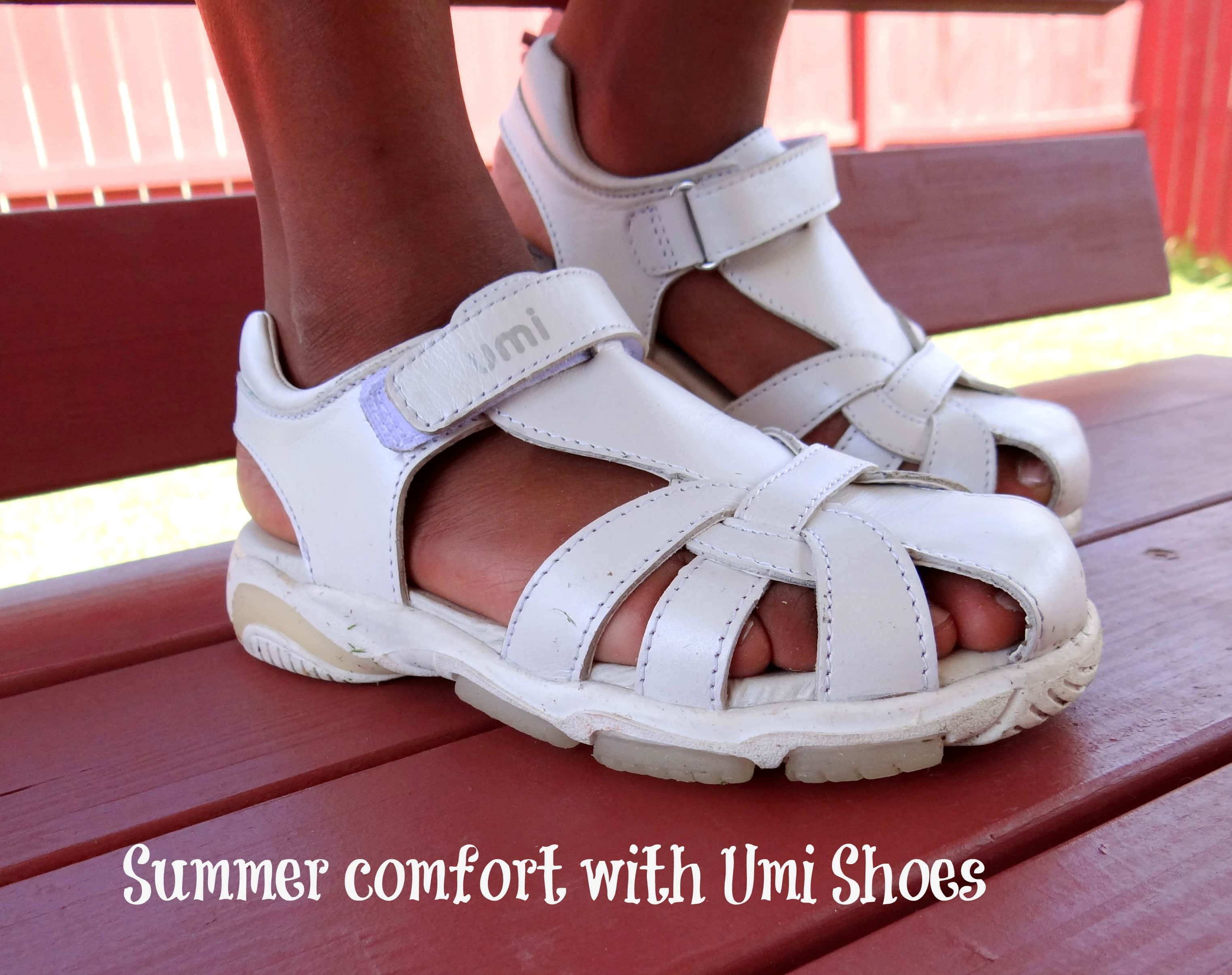 Displaying 19> Images For - Kids Feet With Shoes