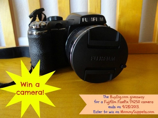 Win a Fujifilm FinePix S4250 camera on Mommy Snippets (Ends on 9-28-2013)