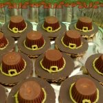 Easy Pilgrim Hat Cookies for Thanksgiving (No baking required!)