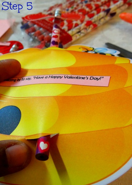 How to make inexpensive Valentine's Day Cards- Mommy Snippet's Tutorial (7)