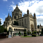 Basilique Sainte-Thérèse: 2nd Largest Pilgrimage Site