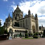 Basilique Sainte-Thérèse: 2nd Largest Pilgrimage Site