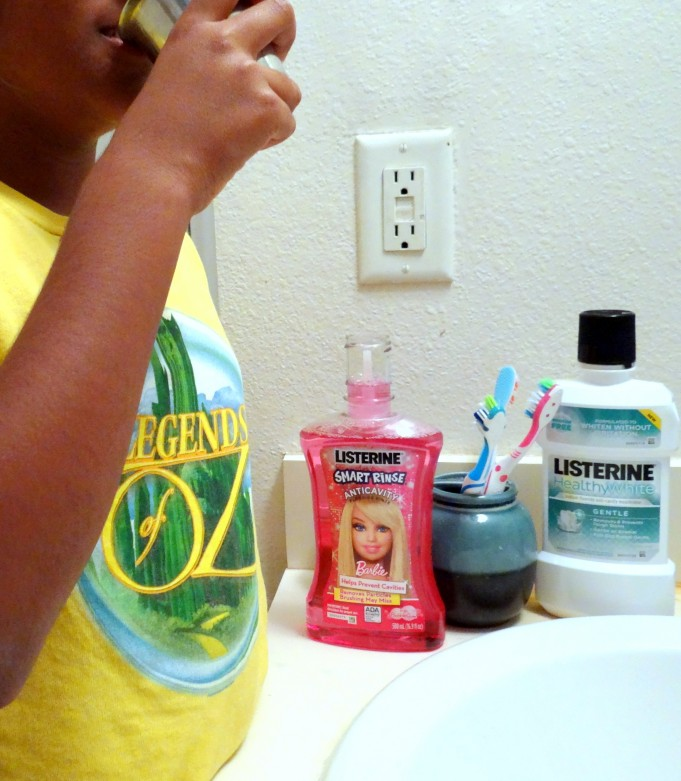 Mouthwash routine with Listerine