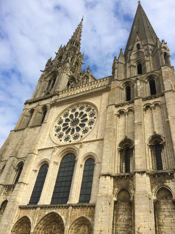 chartres-virgin-mary
