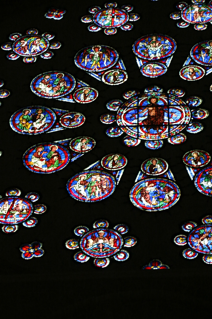 stained-glass-chartres1