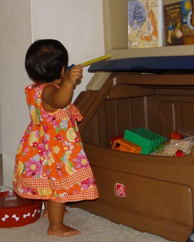 Step2 Lift and Hide Bookshelf Storage Chest (2)