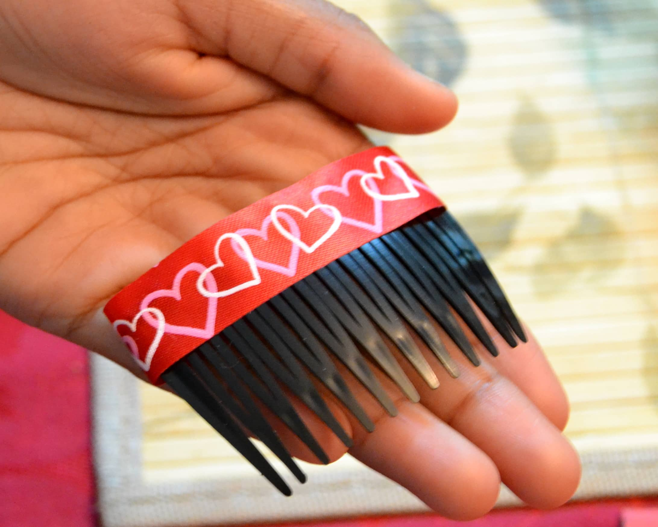 An easy DIY way to make a Valentine Hair Accessory (9)