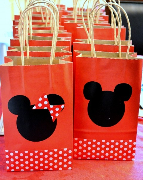 How to celebrate a #DisneySide Birthday Party at a Party Place (7)