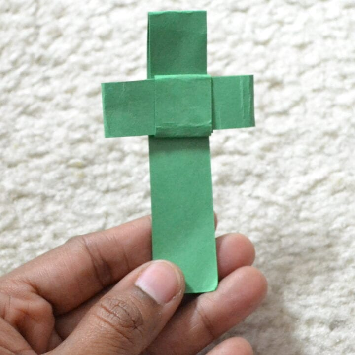How to make a Palm Cross using paper