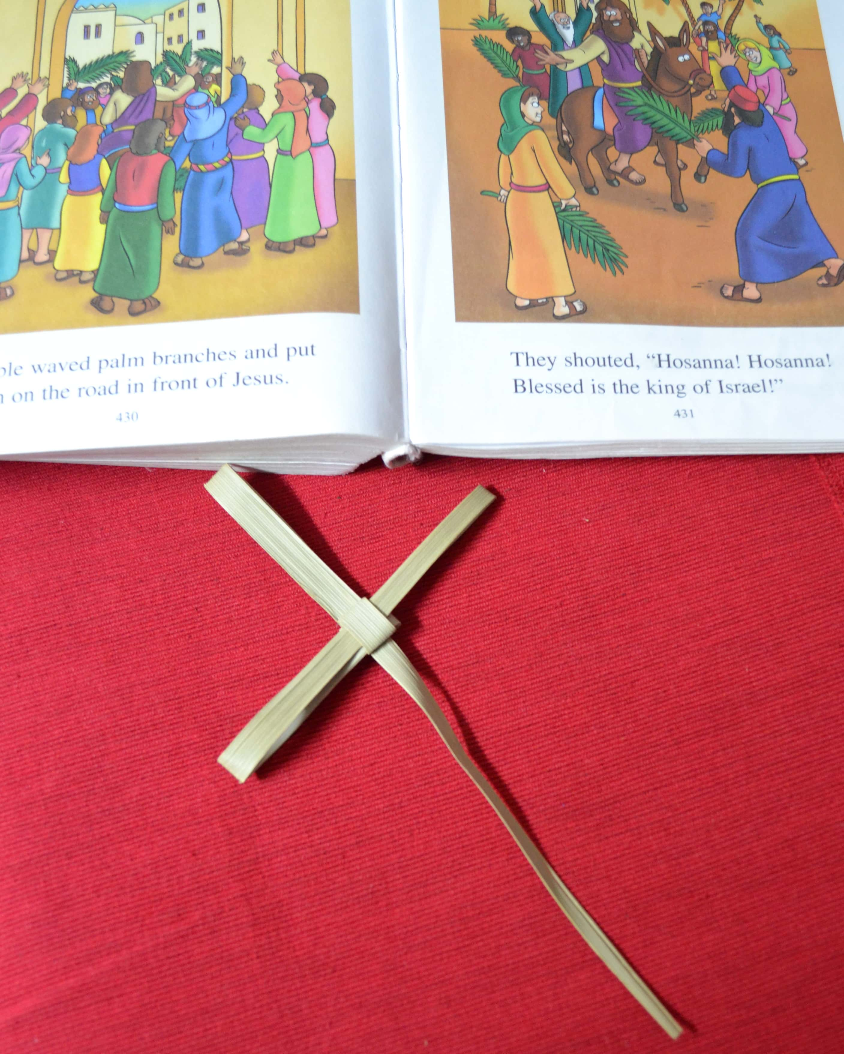 Easy DIY Paper Palm Crosses - An #FCBlogger Craft Tutorial by MommySnippets (28)