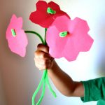 Easy DIY Pipe Cleaner Flower Craft for Preschoolers