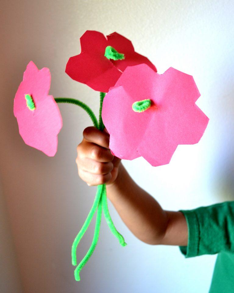 Easy DIY Pipe Cleaner Flower Craft for Preschoolers