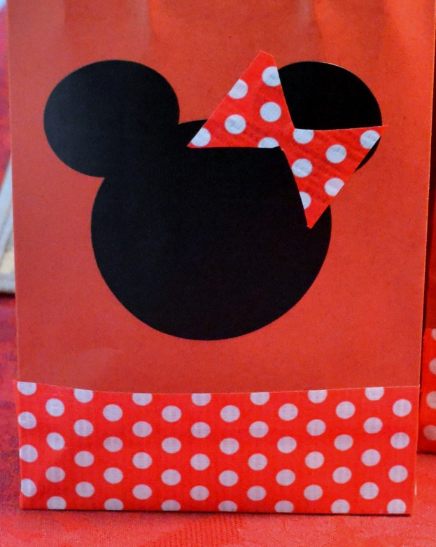 Stress-free tips for hosting a Minnie Mouse themed birthday party- Mommy Snippets (2)