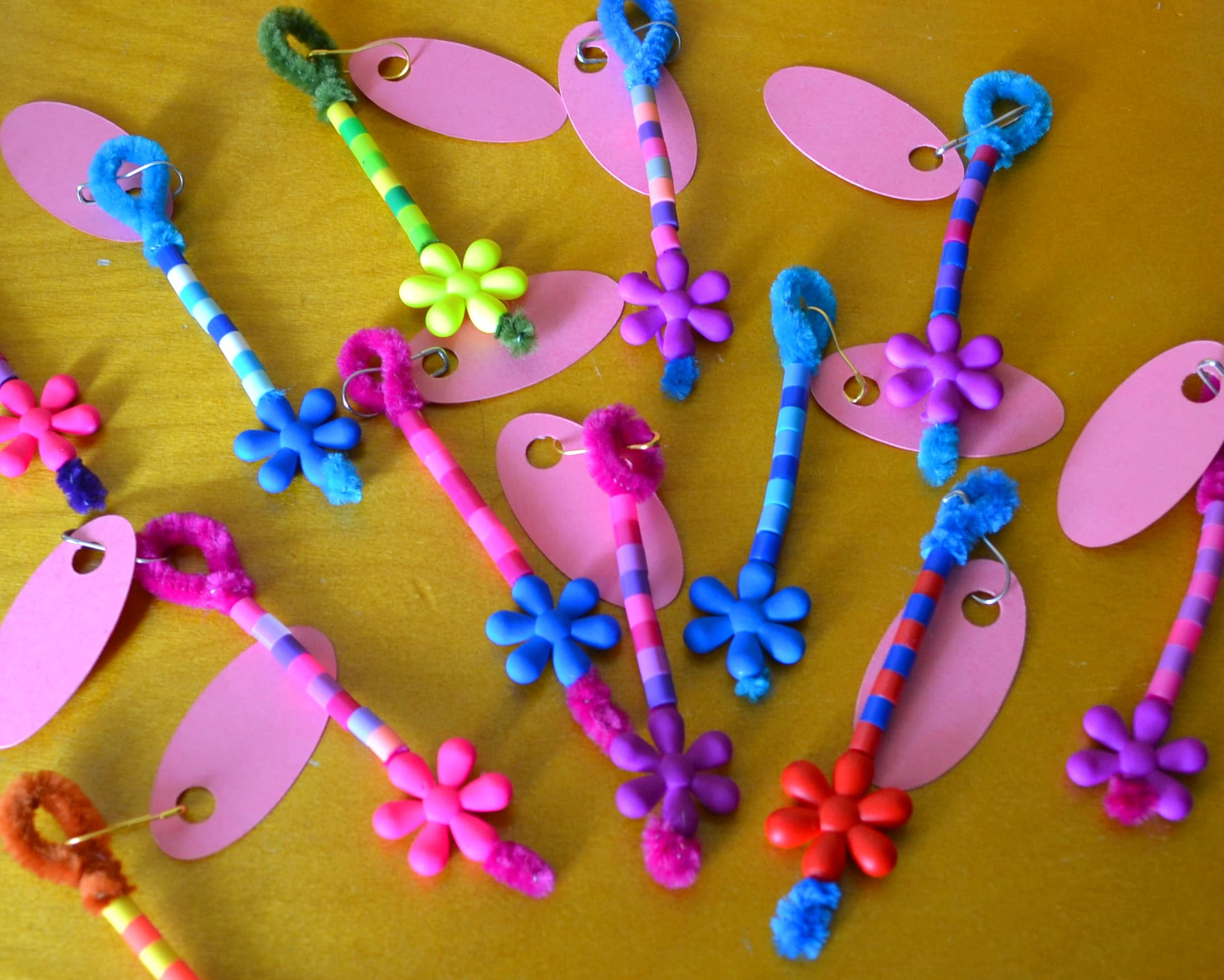 Easy DIY Girl Scouts SWAPS Idea & Tutorial - MommySnippets (3)