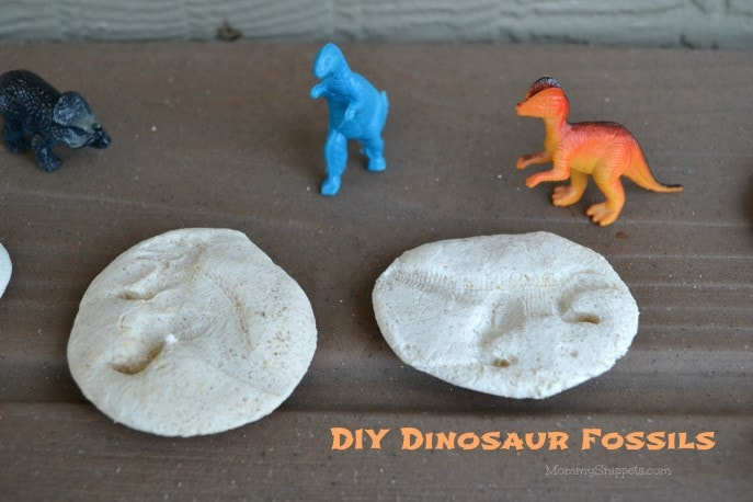 DIY Dinosaur Fossils {A #FandangoFamily #JurassicWorld feature} with Mommy Snippets (2)