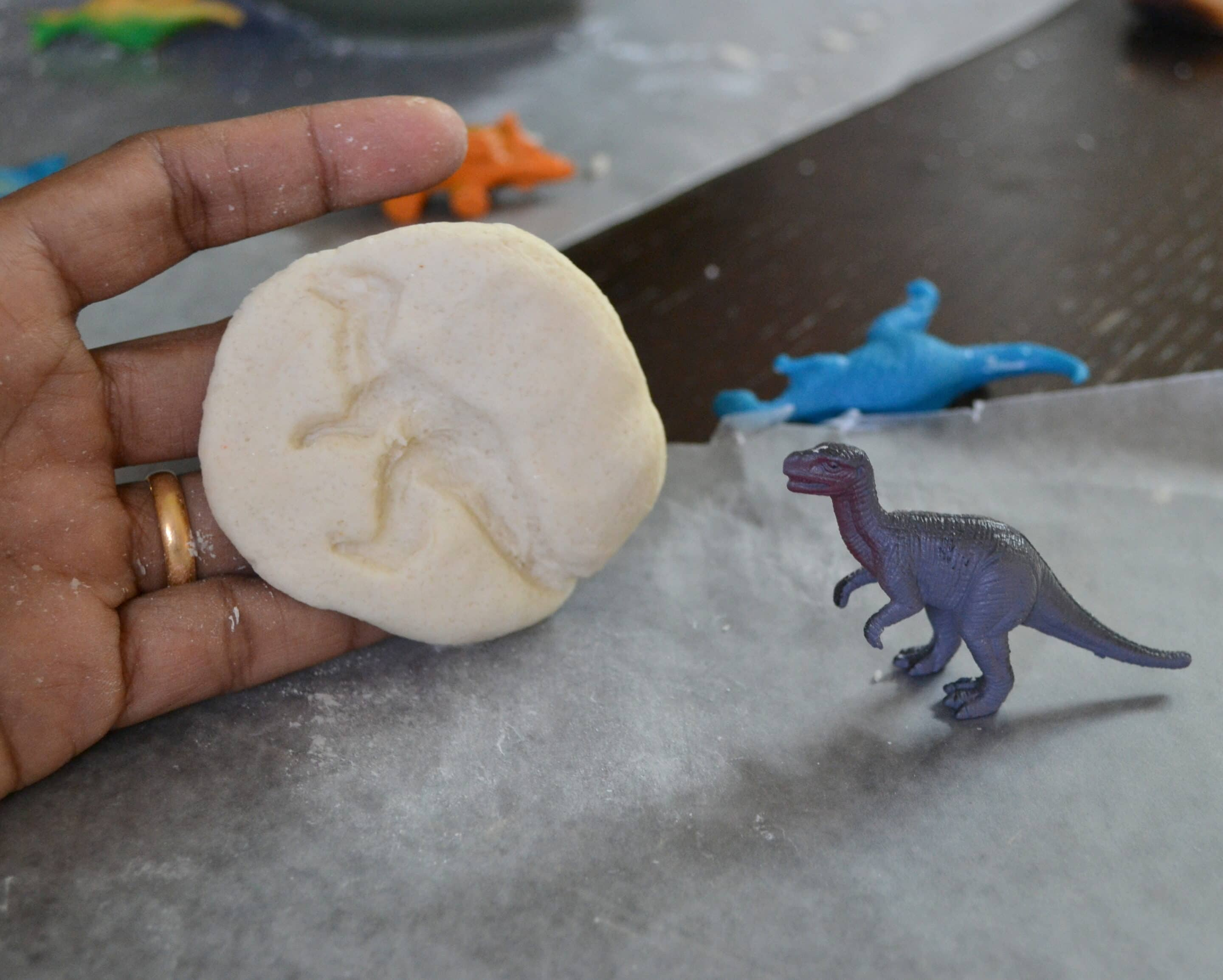 How to Make a Dinosaur Fossils Craft (+ Free Dinosaur Coloring Pages)