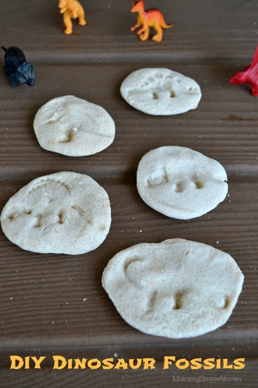 DIY Dinosaur Fossils {A #FandangoFamily #JurassicWorld feature} with Mommy Snippets (4)