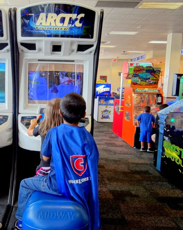 Reasons to book your child's birthday party at Chuck E. Cheese's- Mommy Snippets (409)