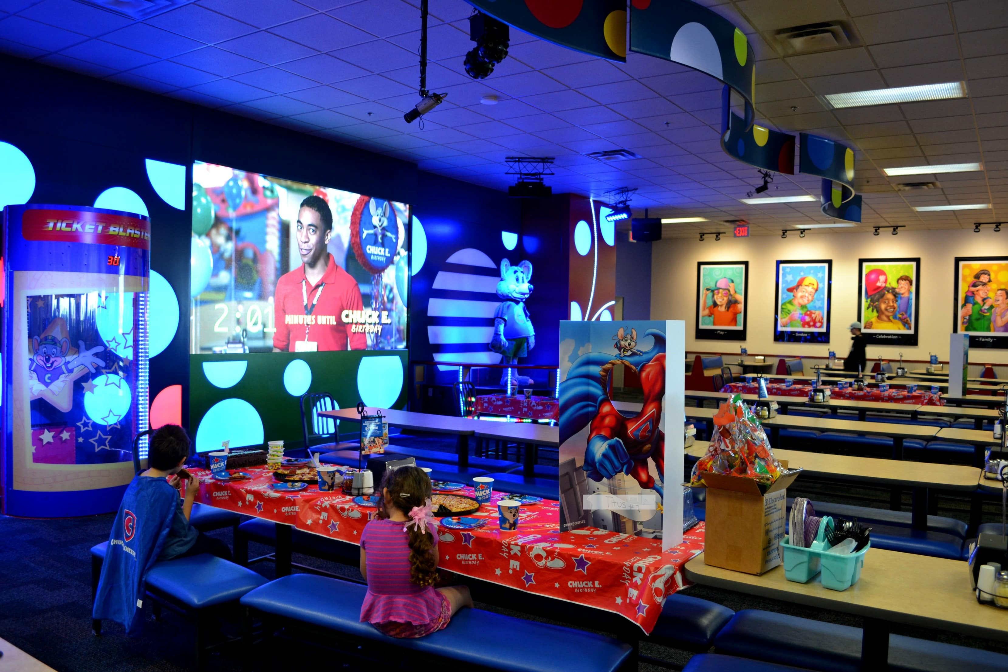 Chuck E Cheese: 5 Reasons To Book Your Child's Party At Chuck E. Cheese's