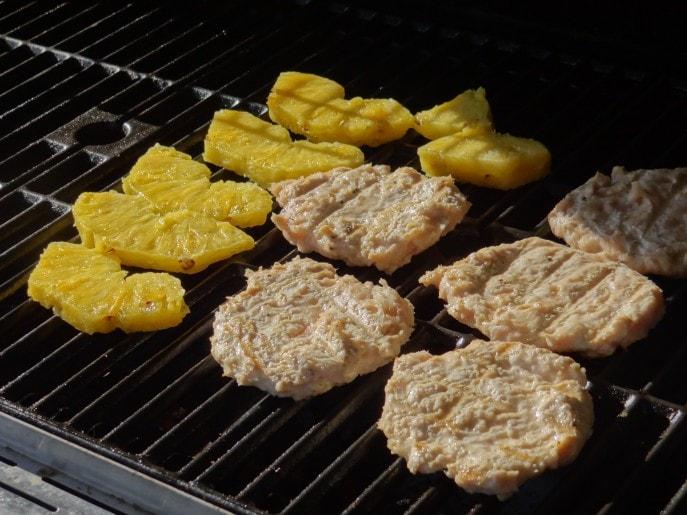 Stir-Fry Burger  An H-E-B #PrimoPicks Burger Bash Recipe (1)