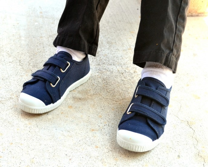 Stylish canvas shoes for kids from Cienta - MommySnippets.com #Ad (12)