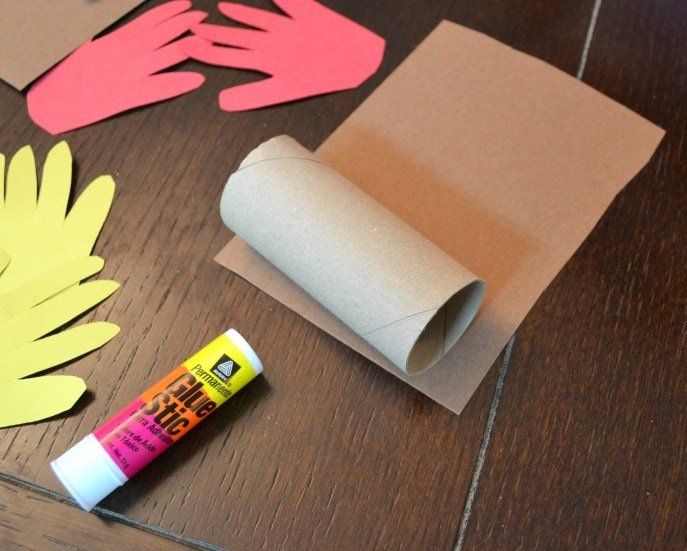 Thankful Turkey Toilet Paper Roll Craft with MommySnippets.com #BringingInnovation [ad] (13)