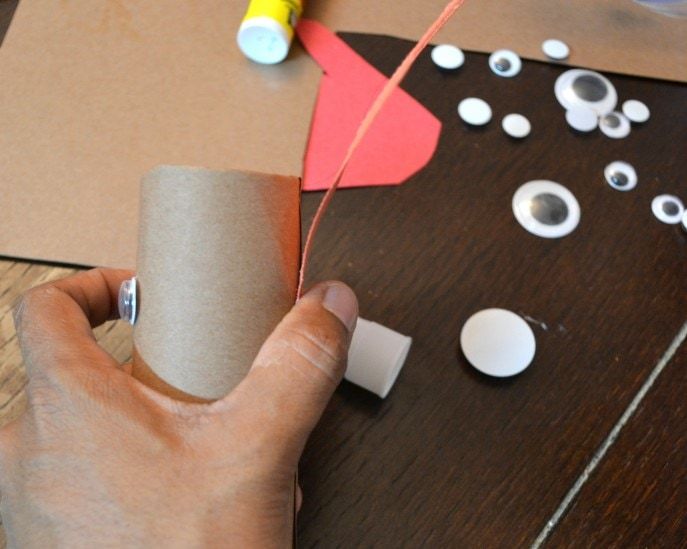 Thankful Turkey Toilet Paper Roll Craft with MommySnippets.com #BringingInnovation [ad] (25)