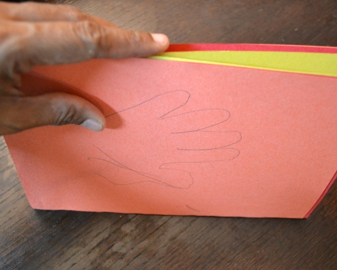 Thankful Turkey Toilet Paper Roll Craft with MommySnippets.com #BringingInnovation [ad] (6)
