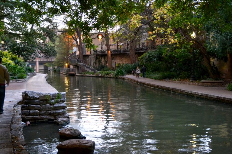 How to pick a city, in Texas, to visit, on your road trip