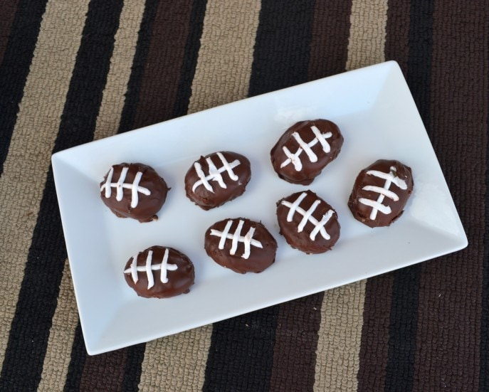 Easy Game Time OREO Cookie Balls {#OREOCookieBalls} -MommySnippets.com #Sponsored (10)