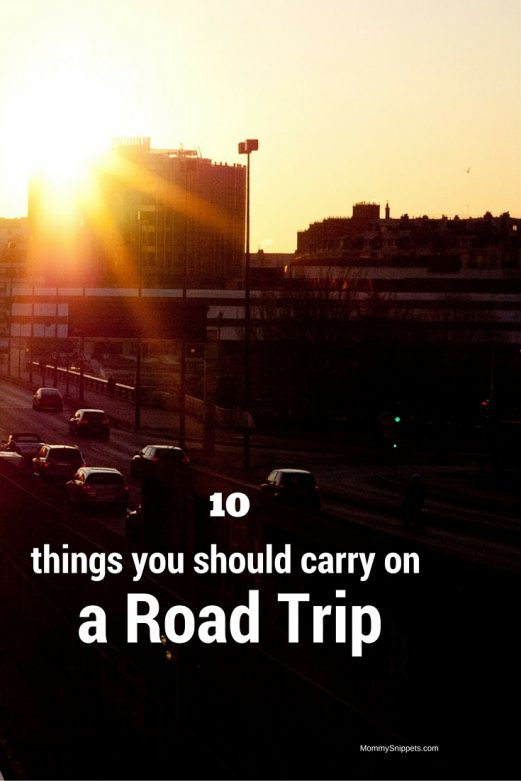 10 things you should carry on a road trip- MommySnippets.com