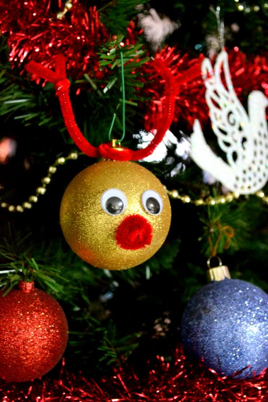 Easy DIY Reindeer Ornament Your Child Can Make - MommySnippets.com