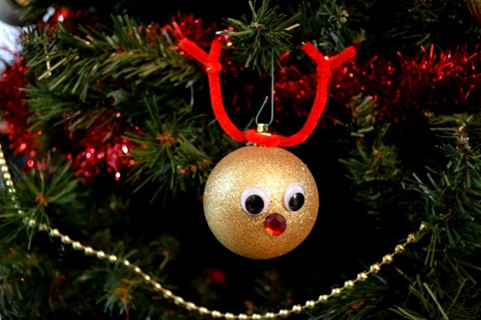 Easy DIY Reindeer Ornaments Your Child Can Make (+ Tutorial) with MommySnippets (16)