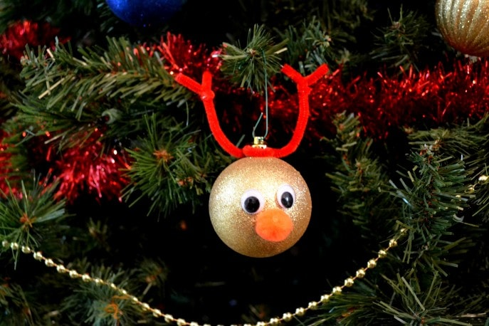Easy DIY Reindeer Ornaments Your Child Can Make (+ Tutorial) with MommySnippets (20)