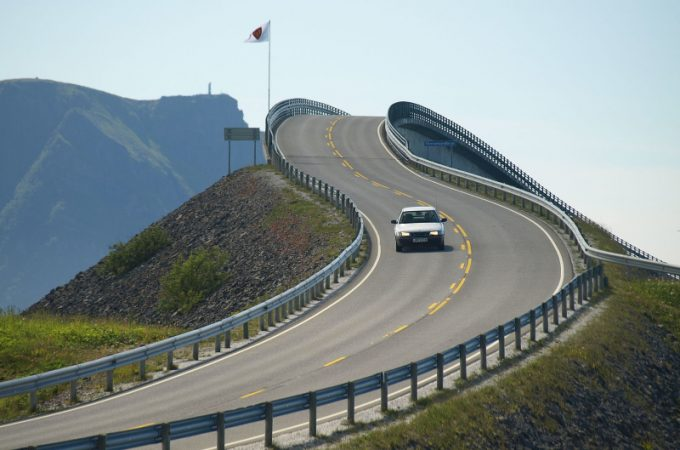 Helpful Highway Tips for New Drivers