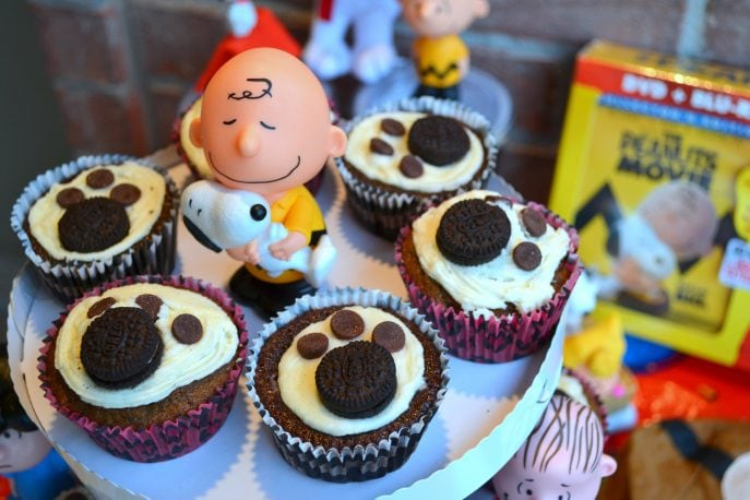 Snoopy's OREO cupcakes- MommySnippets.com