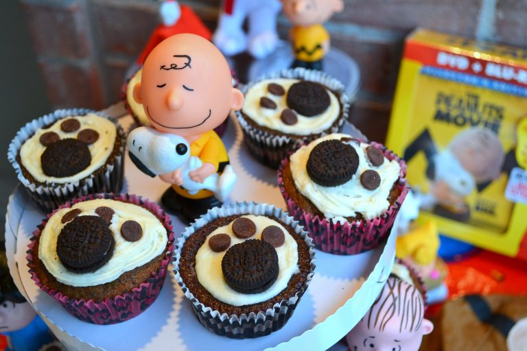 How to make PEANUTS movie inspired treats {A recipe, DIY and more!}