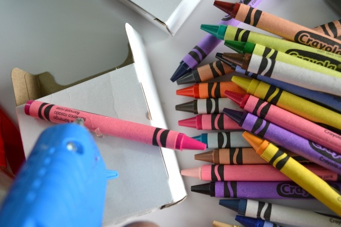 A Unique Teacher Appreciation Gift With Crayons - MommySnippets (18)
