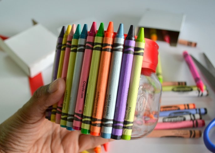 A Unique Teacher Appreciation Gift With Crayons - MommySnippets (20)