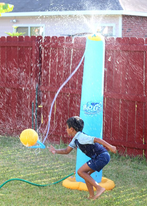 Summer fun with water play in your backyard- MommySnippets (31)
