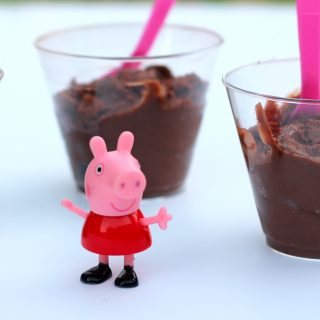 How to make Peppa Pig's Muddy Puddle Snack {+ DVD Giveaway}