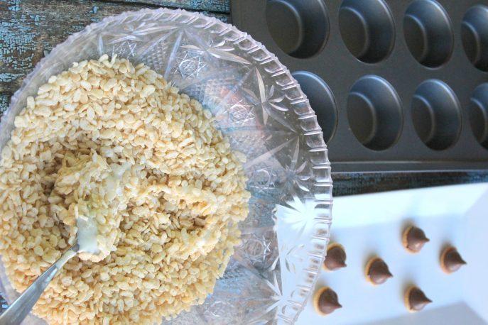 scrats-hidden-acorn-rice-krispies-treats-mommysnippets-com-scratinspace-sponsored-6