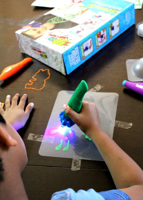 the-perfect-gift-for-your-creative-child-mommysnippets-com-3dpen-i-32
